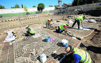 Los restos fueron descubiertos en la construcción de un aparcamiento subterráneo en paralelo al río Beiro.