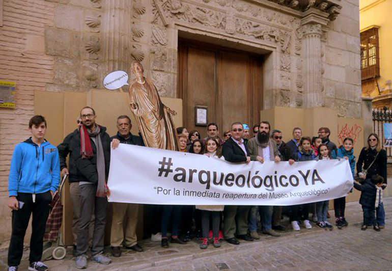 protesta Museo Arqueologico ya 2015