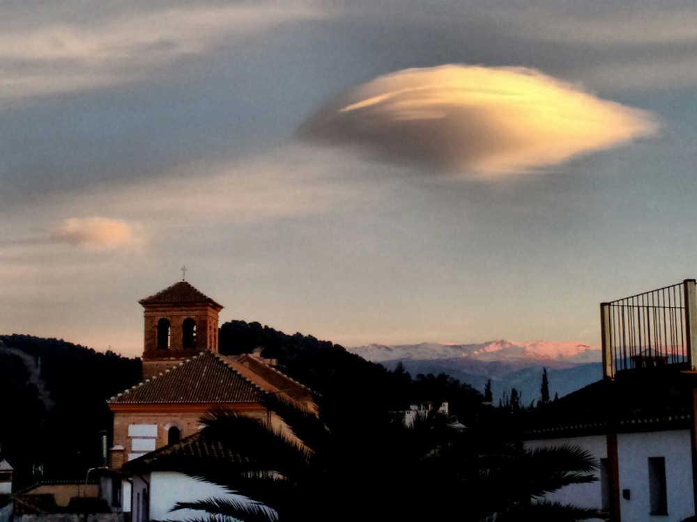 Nubes ovni Albayzin 20160131