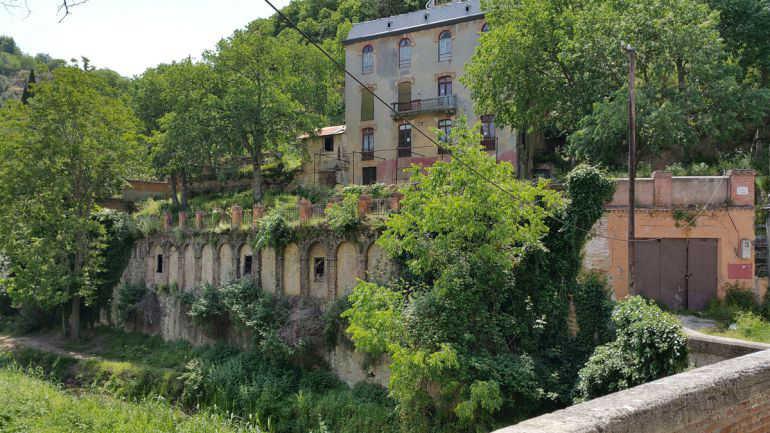 Paseo de los cármenes del Darro, en la margen izquierda del río Darro bajo la Alhambra. En la foto, el Hotel Reuma / Rafael Troyano