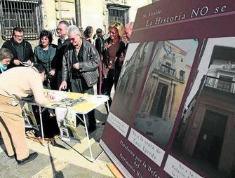 vecinos recogen firmas Agreda no se vende GH