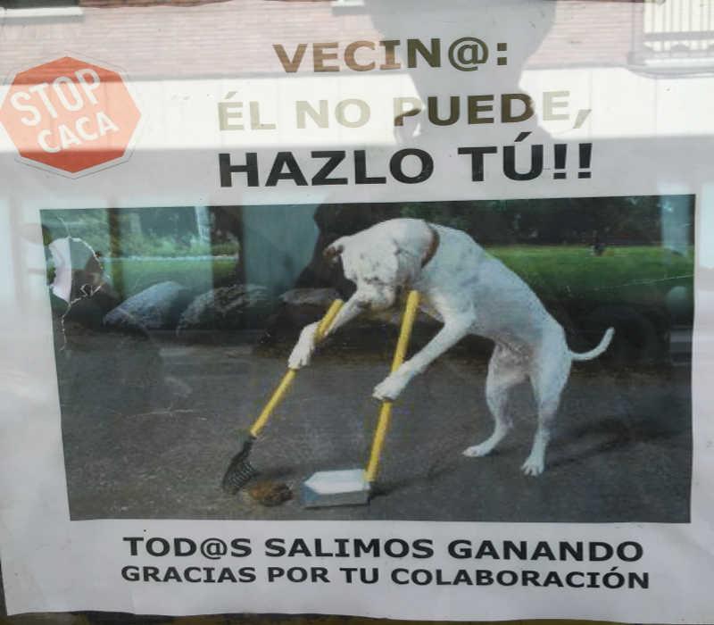 cartel caca perro Barcelona