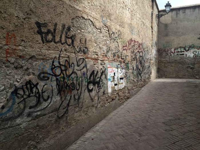 Pintadas callejon Ladron del Agua Dar al-Horra 20160731 JFI 1