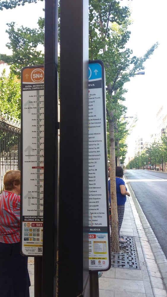 senales poco visbles parada bus C2 Gran Via 20160729 a