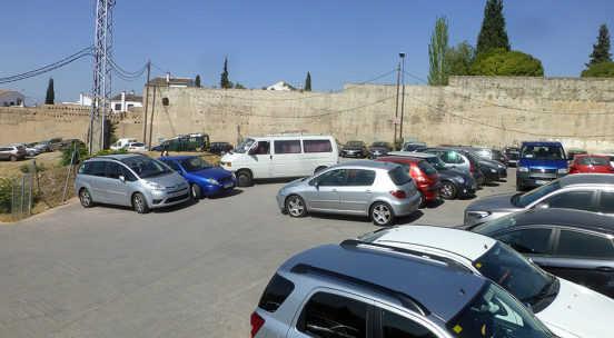 aparcamiento-muralla-alberzna-ag-2016