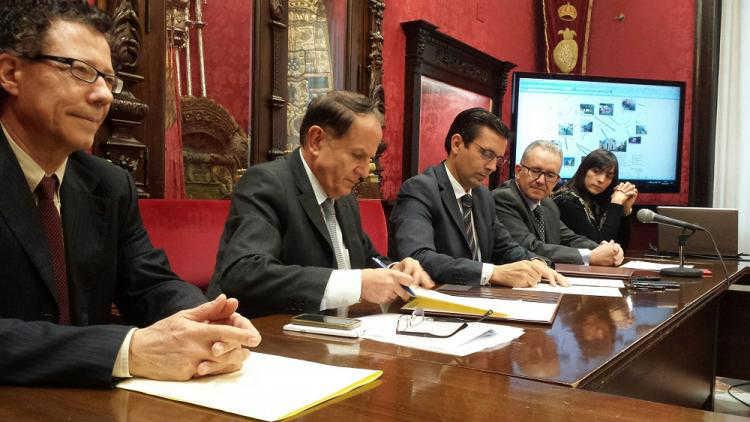 firma-convenio-iluminacion-artitstica-carrera-del-darro-2016-ei