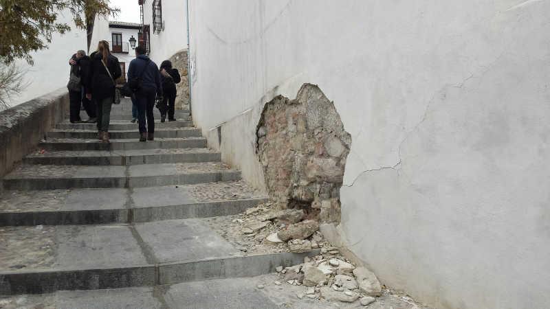muro-y-escombros-calle-de-los-negros-20161205