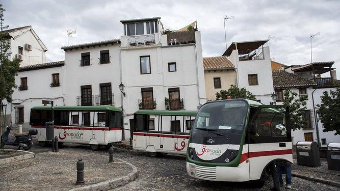 El tren quedó atravesado en un accidente que pudo estar ocasionado por la lluvia. / FOTOS: CARLOS GIL